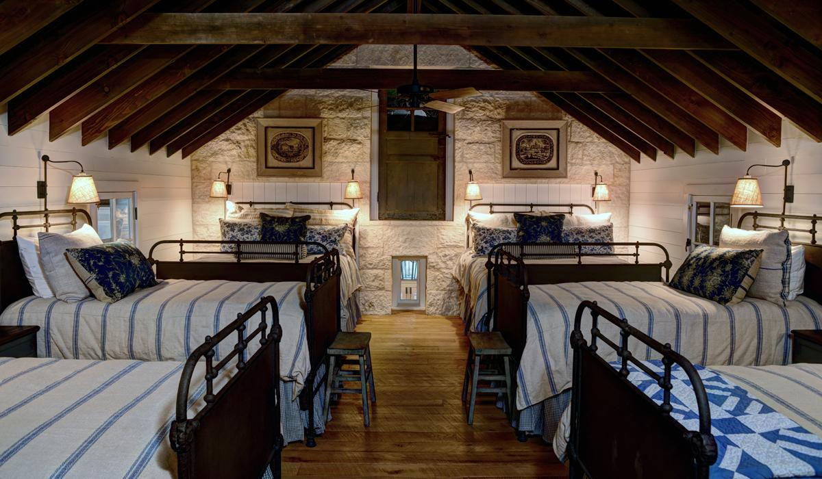Esperanza 08 attic-bdrm
